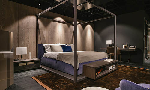 Alcoba canopy covered bed by Antonio Citterio