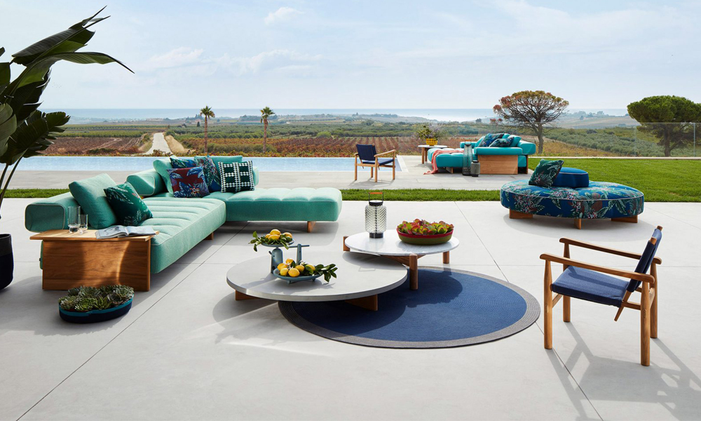 Perspective Goes Outdoor by Cassina